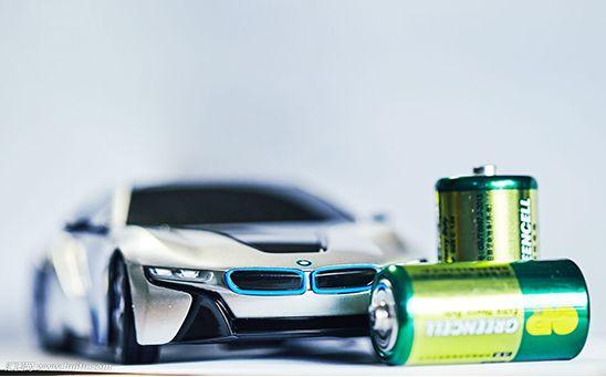 新能源汽车与锂电池,车企与锂电池
