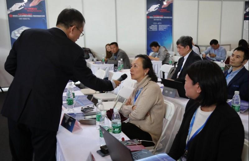 华一汽车科技CEO余曦:智能座舱在车联网中的应用