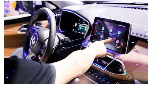 斑马发布行业首份驾驶行为报告:超八成车主上车抛弃手机 上海女司机驾驶技术最好