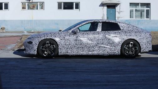 小鹏电动轿跑曝光 比特斯拉Model 3大 4月首发