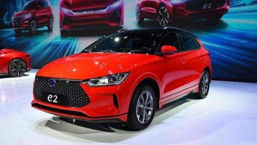 将于7月中旬上市 比亚迪e2量产车型下线