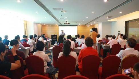 """洞见学院产业升级顶层设计与模式创新系列研修课—— """"全球经济周期与中国企业对策""""在京开讲"""