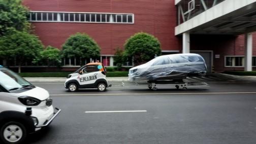 """智""""造""""未来,驭势科技携手合作伙伴打造国内首条厂区无人驾驶物流线路"""